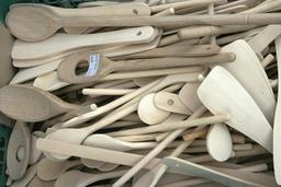 Cuillères en bois neuves. Source : http://data.abuledu.org/URI/5101af7f-cuilleres-en-bois-neuves