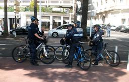 Cyclistes de la police municipale de Cannes. Source : http://data.abuledu.org/URI/53aa6f21-cyclistes-de-la-police-municipale-de-cannes