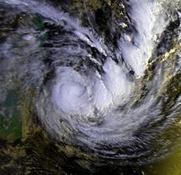 Cyclone Hyacinthe le 25 janvier 1980. Source : http://data.abuledu.org/URI/5227b454-cyclone-hyacinthe-le-25-janvier-1980