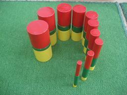 Cylindres éducatifs. Source : http://data.abuledu.org/URI/53e7836d-cylindres-educatifs