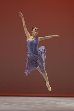 Danseuse contemporaine. Source : http://data.abuledu.org/URI/53369127-danseuse-contemporaine
