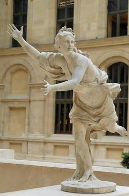 Daphne Coustou Louvre (MR1807). Source : http://data.abuledu.org/URI/47f38767-daphne-coustou-louvre-mr1807-