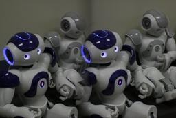 Démonstration de robots Nao en 2011. Source : http://data.abuledu.org/URI/529b1f0a-demonstration-de-robots-nao-en-2011