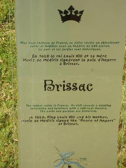 Descriptif du château de Brissac. Source : http://data.abuledu.org/URI/50f086ce-descriptif-du-chateau-de-brissac