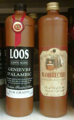 Deux bouteilles de genièvre. Source : http://data.abuledu.org/URI/51dc3c27-deux-bouteilles-de-genievre