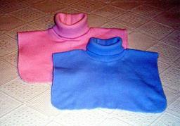 Deux cols roulés. Source : http://data.abuledu.org/URI/50fbbeed-deux-cols-roules
