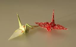Deux grues japonaises en origami. Source : http://data.abuledu.org/URI/52f26061-deux-grues-japonaises-en-origami