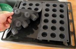 Deux moules à canelés bordelais. Source : http://data.abuledu.org/URI/51007441-deux-moules-a-caneles-bordelais