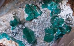 Dioptase en Namibie. Source : http://data.abuledu.org/URI/5485ffb8-dioptase-en-namibie