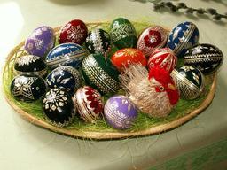Dix-huit oeufs de Pâques. Source : http://data.abuledu.org/URI/514c0246-dix-huit-oeufs-de-paques
