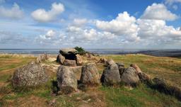 Dolmen dans l'île de Sylt en Allemagne. Source : http://data.abuledu.org/URI/564cd28b-dolmen-dans-l-ile-de-sylt-en-allemagne