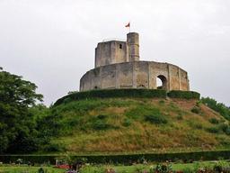 Donjon de Gisors dans l'Eure. Source : http://data.abuledu.org/URI/52643e7d-donjon-de-gisors-dans-l-eure