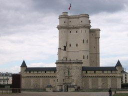 Donjon de Vincennes. Source : http://data.abuledu.org/URI/503cf54c-donjon-de-vincennes