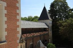 Donjon du château du Clos Lucé. Source : http://data.abuledu.org/URI/55ccd220-donjon-du-chateau-du-clos-luce