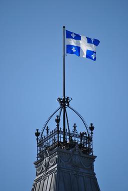 Drapeau de la province de Québec. Source : http://data.abuledu.org/URI/5356a402-drapeau-de-la-province-de-quebec