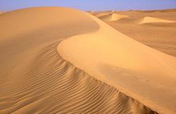 Dunes du désert de Ténéré. Source : http://data.abuledu.org/URI/52d1c586-dunes-du-desert-de-tenere