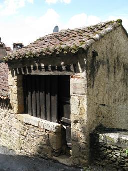 Échoppe médiévale à Limeuil. Source : http://data.abuledu.org/URI/50b60847-echoppe-medievale-a-limeuil
