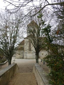 Église de Sauveterre-de-Béarn. Source : http://data.abuledu.org/URI/5866902a-eglise-de-sauveterre-de-bearn
