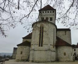 Église de Sauveterre-de-Béarn. Source : http://data.abuledu.org/URI/58669256-eglise-de-sauveterre-de-bearn