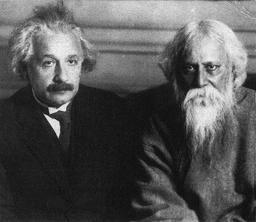 Einstein et Tagore à Berlin le 14 Juillet 1930. Source : http://data.abuledu.org/URI/50b251ef-einstein-et-tagore-a-berlin-le-14-juillet-1930