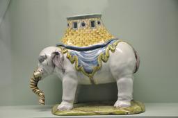 Elephant brûle-parfum. Source : http://data.abuledu.org/URI/502933bd-elephant-brule-parfum