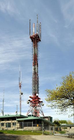 Émetteur du mont Royal à Montréal. Source : http://data.abuledu.org/URI/58dd787c-emetteur-du-mont-royal-a-montreal