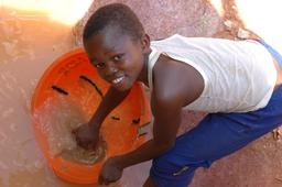Enfant dans une mine au Congo. Source : http://data.abuledu.org/URI/58c82fb7-enfant-dans-une-mine-au-congo