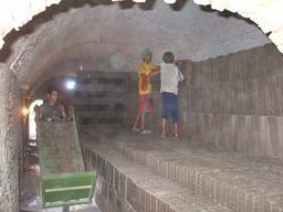 Enfants au travail dans un four. Source : http://data.abuledu.org/URI/58c84a73-enfants-au-travail-dans-un-four