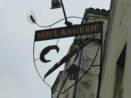 Enseigne de boulangerie à La Rochelle. Source : http://data.abuledu.org/URI/582203a8-enseigne-de-boulangerie-a-la-rochelle
