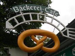 Enseigne de boulangerie en Autriche. Source : http://data.abuledu.org/URI/522d7bb6-enseigne-de-boulangerie-en-autriche