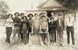 Équipe de baseball américaine en 1908. Source : http://data.abuledu.org/URI/5262db28-equipe-de-baseball-americaine-en-1908
