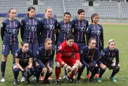 Équipe féminine de Paris Saint-Germain en 2012. Source : http://data.abuledu.org/URI/58851af9-equipe-feminine-de-paris-saint-germain-en-2012