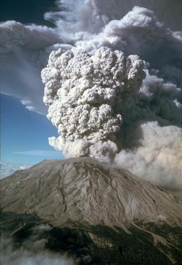 Éruption explosive de Mont St Helens en 1980. Source : http://data.abuledu.org/URI/5093ca5b-eruption-explosive-de-mont-st-helens-en-1980