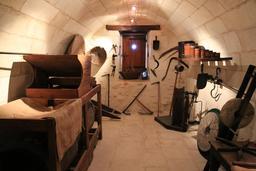 Exposition d'outils agricoles au moulin de Bléré. Source : http://data.abuledu.org/URI/55dd6316-exposition-d-outils-agricoles-au-moulin-de-blere