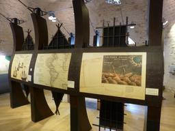 Exposition dans la tour de la Chaîne à La Rochelle. Source : http://data.abuledu.org/URI/58217899-exposition-dans-la-tour-de-la-chaine-a-la-rochelle
