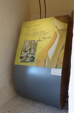 Exposition dans la tour de la Chaîne à La Rochelle. Source : http://data.abuledu.org/URI/58217961-exposition-dans-la-tour-de-la-chaine-a-la-rochelle