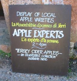 Exposition de pommes à Jersey. Source : http://data.abuledu.org/URI/518a0f05-exposition-de-pommes-a-jersey
