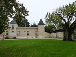 Eysines, Château Lescombes. Source : http://data.abuledu.org/URI/5630768b-eysines-chateau-lescombes