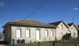 Eysines, maison traditionnelle en pierre. Source : http://data.abuledu.org/URI/563075f4-eysines-maison-traditionnelle-en-pierre