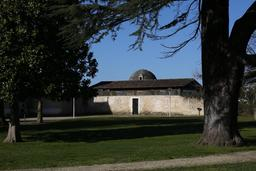 Eysines, remise du château Lescombes. Source : http://data.abuledu.org/URI/563077ad-eysines-remise-du-chateau-lescombes