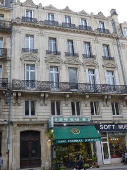 Façade bordelaise en centre-ville. Source : http://data.abuledu.org/URI/580a5e65-facade-bordelaise-en-centre-ville