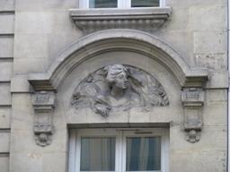 Façade bordelaise en centre-ville. Source : http://data.abuledu.org/URI/580a5efa-facade-bordelaise-en-centre-ville