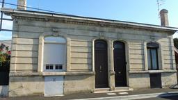 Façade d'échoppe bordelaise. Source : http://data.abuledu.org/URI/59907276-facade-d-echoppe-bordelaise