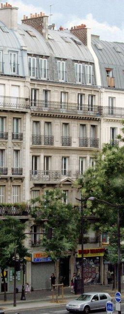 Façade d'immeuble parisien. Source : http://data.abuledu.org/URI/50237eea-facade-d-immeuble-parisien