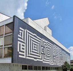 Façade de théâtre par Vasarely. Source : http://data.abuledu.org/URI/5386109e-facade-de-theatre-par-vasarely