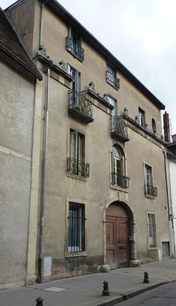 Façade dijonnaise. Source : http://data.abuledu.org/URI/581c949f-facade-dijonnaise