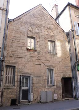 Façade médiévale à Dijon. Source : http://data.abuledu.org/URI/59269a88-facade-medievale-a-dijon