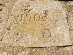 Façade sud de l'église de Pujols-sur-Ciron. Source : http://data.abuledu.org/URI/58dae2fa-facade-sud-de-l-eglise-de-pujols-sur-ciron