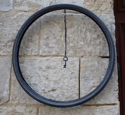Fausse-clé. Source : http://data.abuledu.org/URI/5828e07c-fausse-cle
