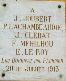 Félibrée de 1913 à l'hôtel de ville à Montignac-24. Source : http://data.abuledu.org/URI/5994e60c-felibree-de-1913-a-l-hotel-de-ville-a-montignac-24